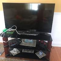 Table with tv for $150 Abington, 19001