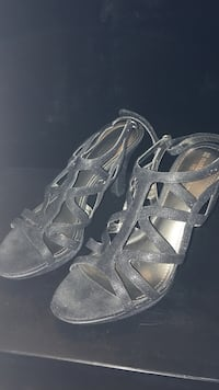 Pair of black leather open-toe heeled sandals Cathedral City, 92234
