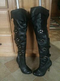 Boots  Black with buckles sz 10 Chattanooga, 37421