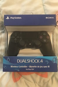 PS4 Controller  Pickering, L1V 3E2