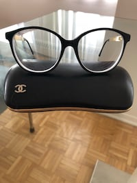 black framed Ray-Ban eyeglasses Montréal, H3A