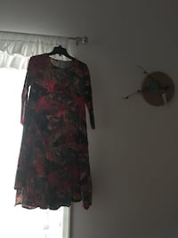 red, black, and brown floral scoop neck long-sleeved dress 日耳曼敦, 20874