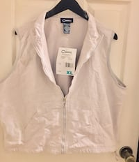 New women's. XL Catalina beige Vest located off lake mead and jones area asking $3 Las Vegas, 89108