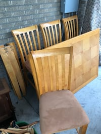 Like new four chairs and table   Denver, 80210