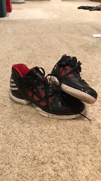 DRose Basketball Shoes Naperville, 60565