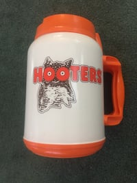 Hooters Collectable Mug Ellicott City, 21042