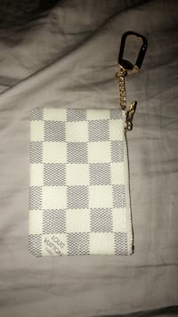 White and black leather sling bag Mansfield, 02048