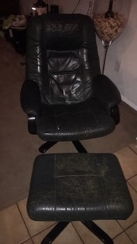 Dark green leather chair with matching ottoman Fort Myers, 33901