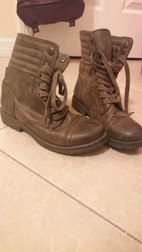 pair of brown leather boots Palm City, 34990