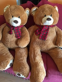 Two brown bear plush toys Dallas, 75230