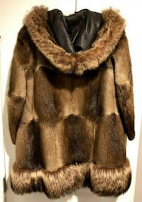 Vintage Hooded Muskrat Fur Coat w/ Raccoon Trim Minneapolis, 55446
