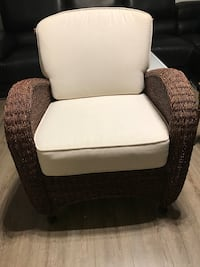 Brand new single chair size 33 x23x19 inches  Surrey, V3T
