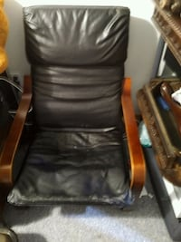 Removable leather cover, good condition  Barrie, L4M 5K4