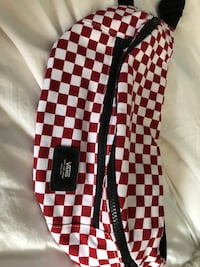 Vans red checkered fanny pack  Gatineau, J9J 0A6