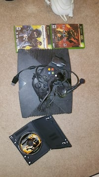 Xbox system w/1 controller, 3 games