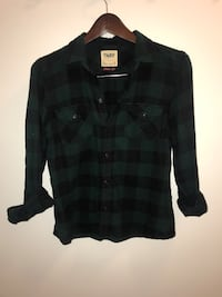 TNA sz small aritzia plaid  Kelowna, V1V