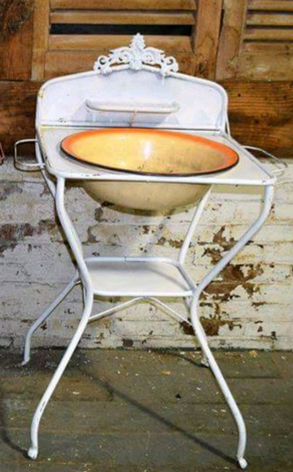 Vintage European Wash Basin