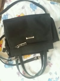 black 2-way handbag Lincoln, L0R 1B5
