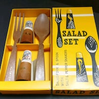 Vintage salad set in box Hamilton, L9A 3M8