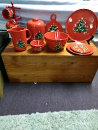 Christmas dish collectables. Hand painted.  Jacksonville, 36265