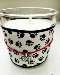 Paws candle North Vancouver, V7R 3K7