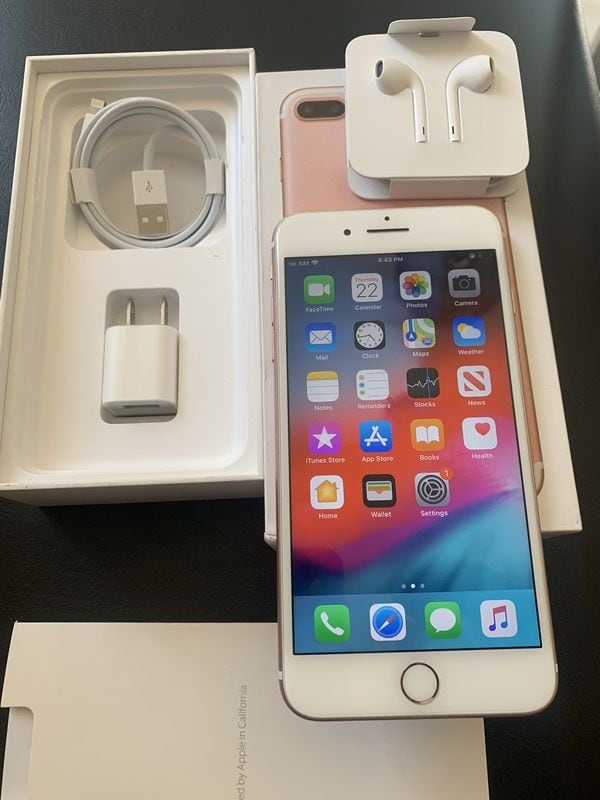 """iPhone 7 plus 32GB FACTORY UNLOCKED"""" Like new with warranty  73d3e53d-3f29-49ff-83aa-57666c038523"""
