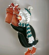 Penguin pin. New in box never used Kitchener, N2H