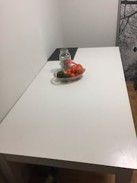 Excellent condition white wooden table  Toronto, M5T