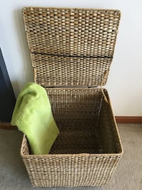 Wicker laundry box 38 km