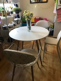 Gorgeous Bistro Dining Table and Chairs Fort Collins, 80524