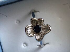 Sterling silver/ simulated blue sapphire flower ring size 8