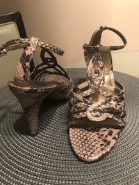 Ladies shoes Size 8 Mississauga, L5N 8H4