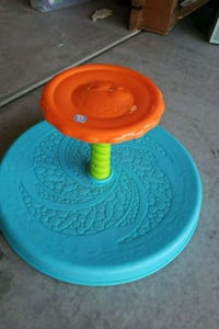 Sit and spin toddler toy! Lancaster, 93535