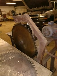 Saw mill slab cutting saw Lesterville, 63654