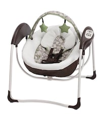 baby's white and black swing chair New York, 10452