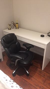 Desk and chair for sale Toronto, M9R 1Z2
