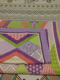 Twin size Quilted Bed Cover for Girl's Bedroom Royal Oak