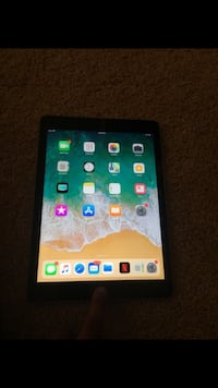 Apple IPad (5th Generation) 32 GB Clearwater, 33763