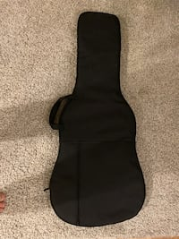 guitar soft case well maintained. 39x107