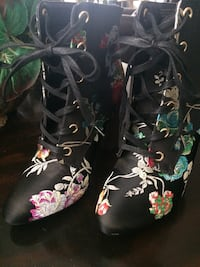 Brand new embroidered satin boots