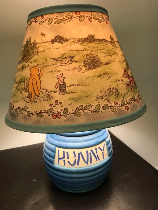 RARE Winnie the Poo 'Hunny' pot lamp with original lamp shade ba0066a0-beea-4622-bb00-ee5f5639d858