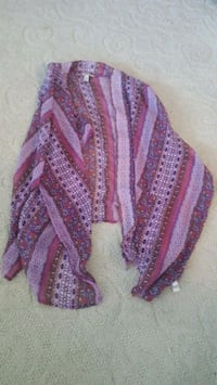 purple and white knitted textile