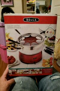 red and white Bella electric fondue set box Toronto, M6A 1S5