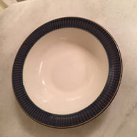 SET OF FOUR NAVY AND WHITE SALAD BOWLS Los Angeles, 90049