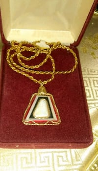 silver-colored chain necklace with heart pendant Kingman