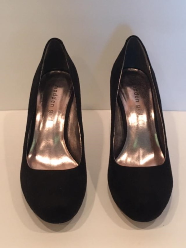 Ladies Shoes:  New Black Suede heel pumps by Madden Girl Size 7  7ce2b249-c633-4225-9601-70c25b5ea22f
