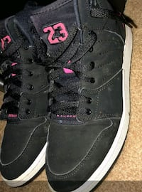 Black and pink jordans Washington, 20015