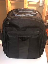Black and gray softside luggage by Everki. Excellent condition Streamwood, 60107