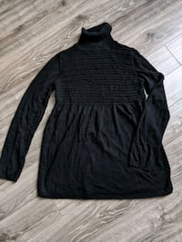 max studio medium sweater  Barrie, L4M 2R6