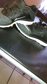 black and white Nike low-top sneaker size 6 Bell Gardens, 90201